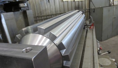 Grooved steel cylinder